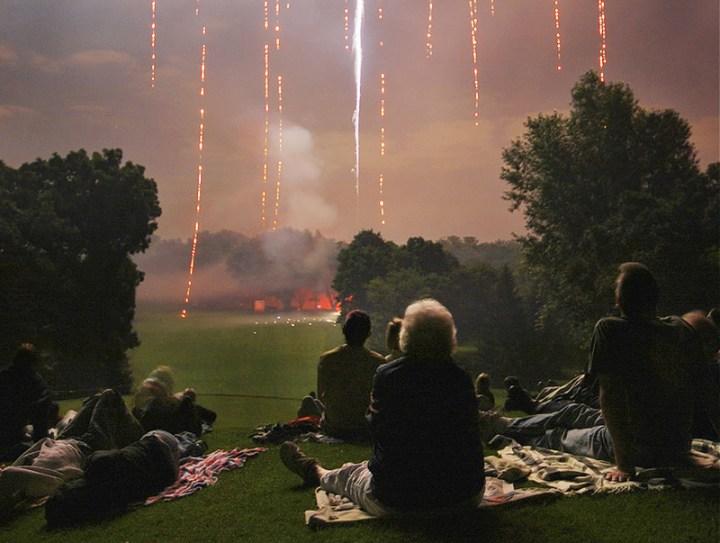 Americans-enjoying-Americas-Birthday-and-fireworks