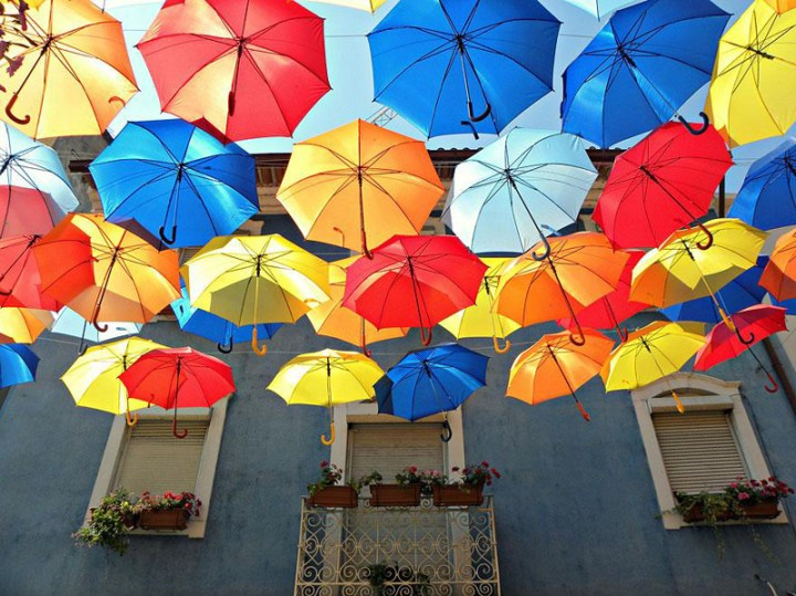 floating-umbrellas-agueda-portugal-2013-1