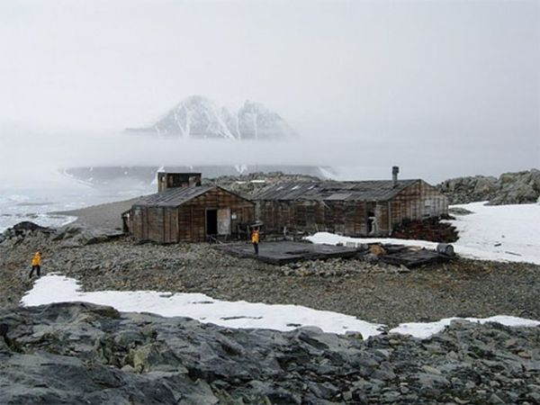 abandoned_wonders_of_antarctica_13