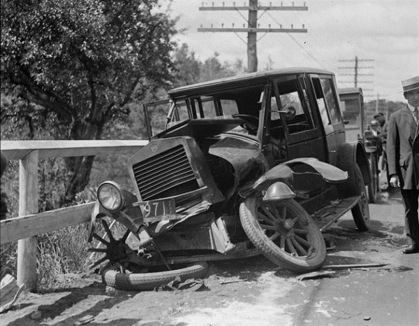 vintage-car-accidents-1