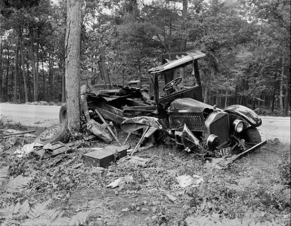 vintage-car-accidents-141