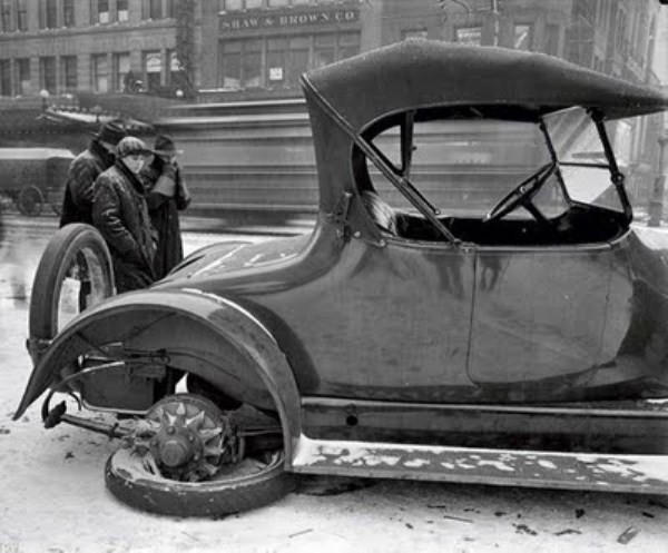 vintage-car-accidents-321