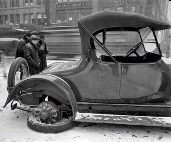 vintage-car-accidents-321