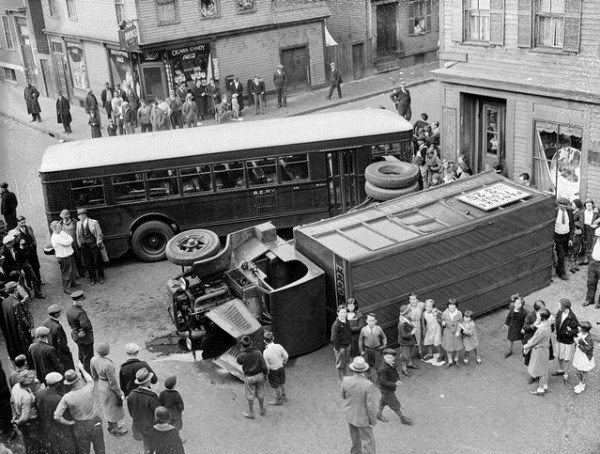 vintage-car-accidents-361