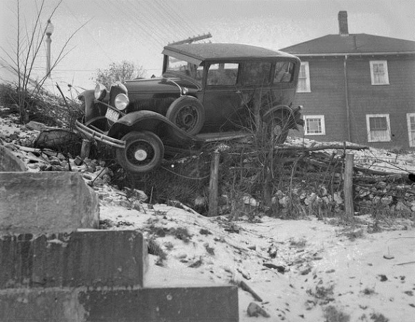 vintage-car-accidents-61