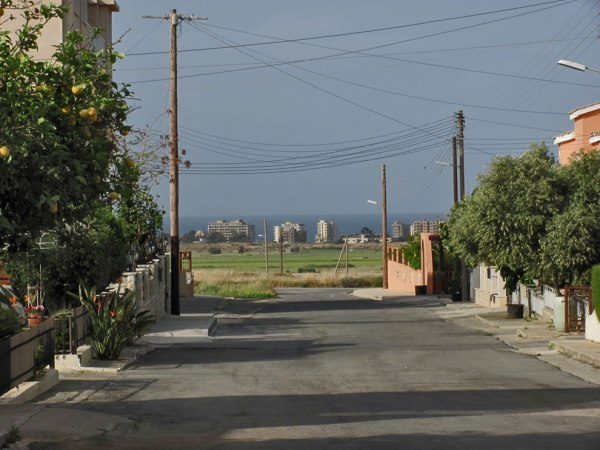 An-abandoned-world-behind-the-end-of-the-street-2012-Varosha
