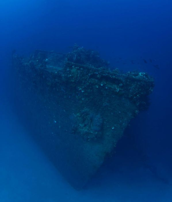 the_largest_graveyard_of_ships_in_the_world_05