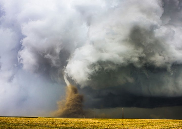 craziest-weather-tornado-forming
