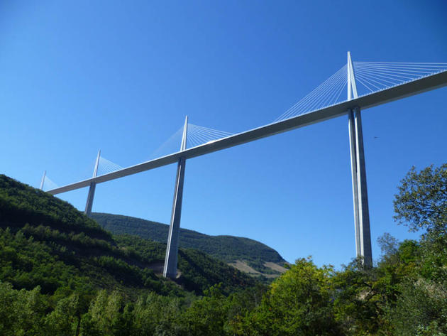 tallest_bridge_in_the_world_millau_viaduct_france6