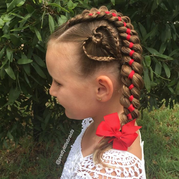mom-braids-unbelievably-intricate-hairstyles-every-morning-before-school-4__700