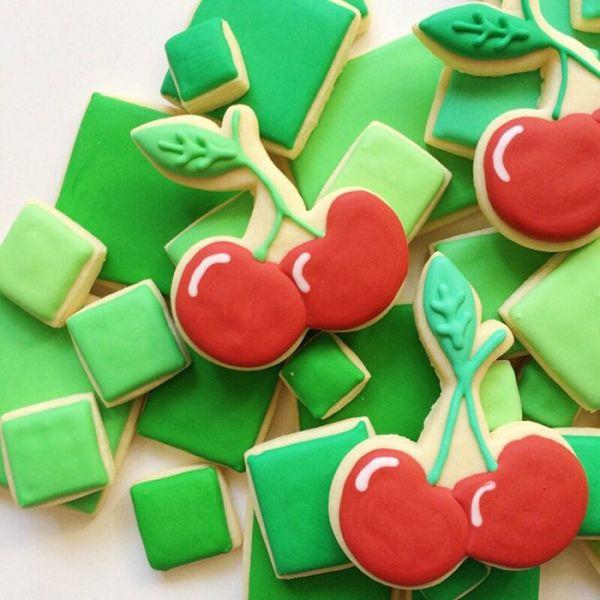 graphic-designer-makes-custom-cookies-holly-fox-design-10-572da29c47773__700