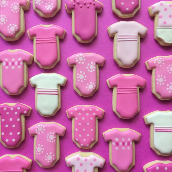 graphic-designer-makes-custom-cookies-holly-fox-design-46-572da313d4f21__700
