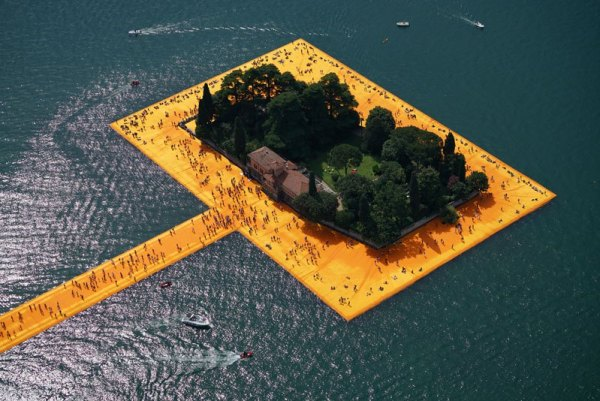 christo-and-jeanne-claude-floating-piers-lake-iseo-italy-5