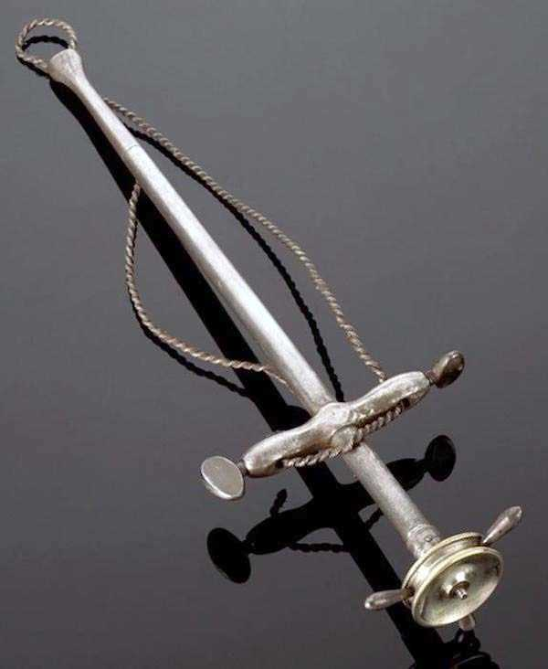 dental-equipment-from-the-past-8