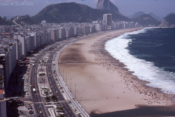 the Daily Life at the Rio Beaches in the late 1970s (1)