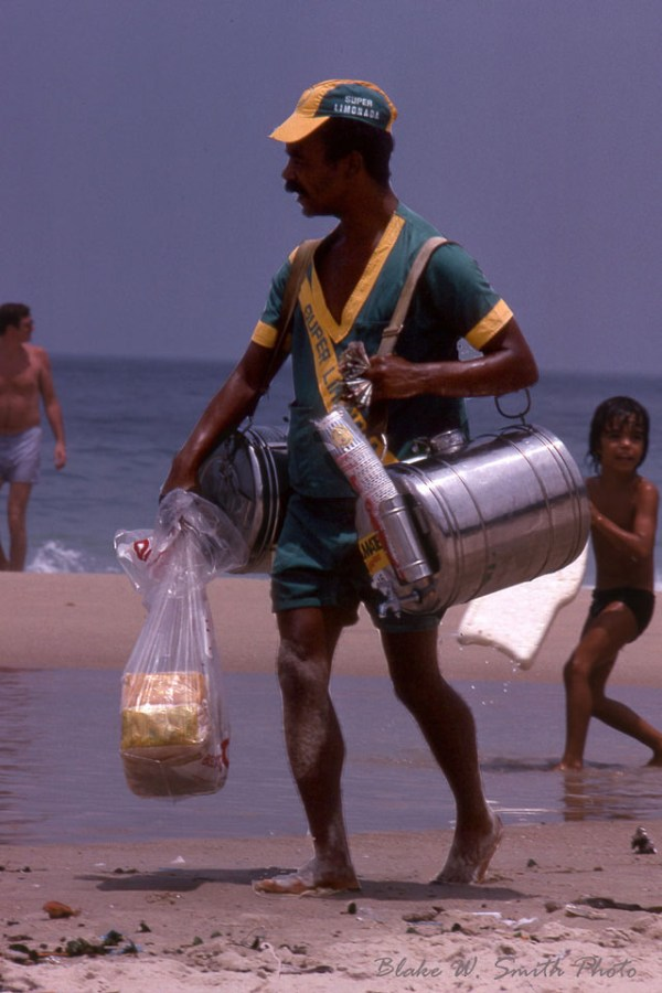 the Daily Life at the Rio Beaches in the late 1970s (8)