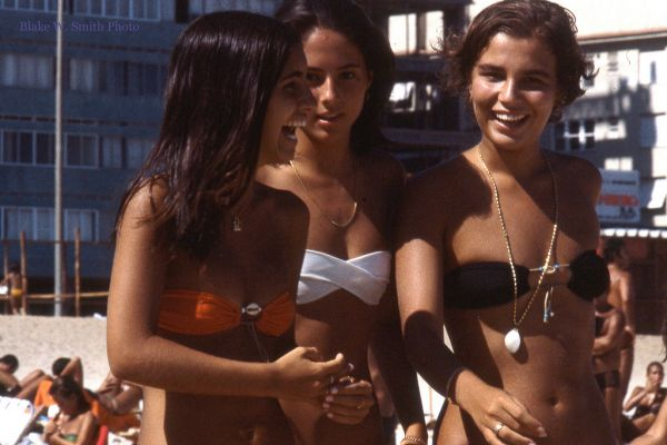 the Daily Life at the Rio Beaches in the late 1970s (16)