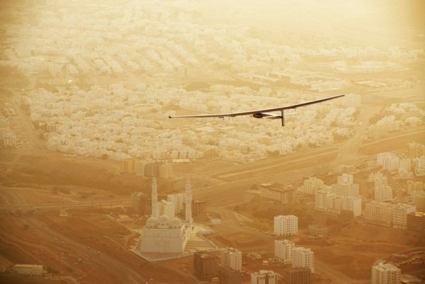 solar-impulse-plane-circumnavigates-globe-without-single-drop-of-fuel-8
