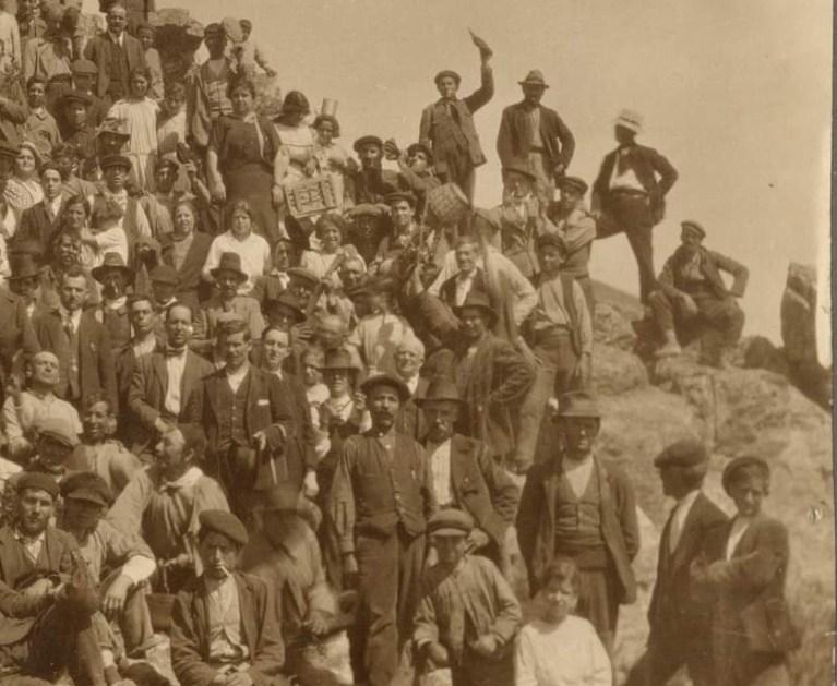 Fragmento de la foto del 1º de mayo de 1924 de los trabajadores de la Mina de la Culebrina, en Baños de la Encina (Jaén). Cedida por la familia López Serrano-Sánchez y publicada por el Colectivo Proyecto Arrayanes.