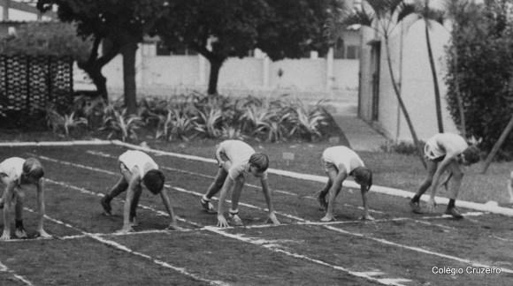 1981 - Equipe do Colégio Cruzeiro - Centro no Dia Olímpico realizado na Escola Naval