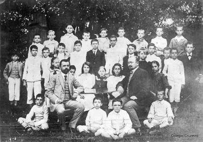 1908 - Alunos com o Diretor Schulz