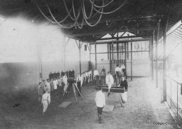 1913 - Aula de Educação Física