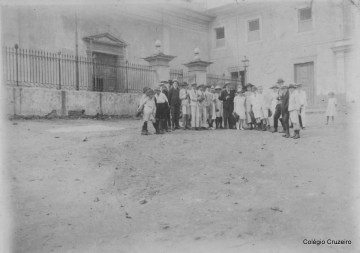 1920 - Passeio ao Morro do Castelo, com a presença do Pastor Hoepfner, Professor Mohr e Professora Schwab