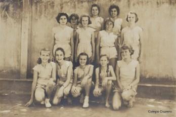 1955 - Turma do Ginásio Colégio Cruzeiro - Centro na aula de Educação Física