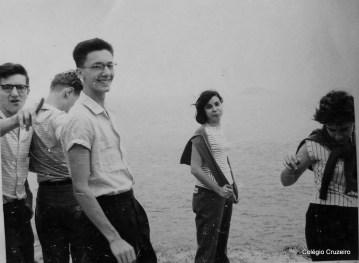 1959 - Aula prática do Professor Fausto (História Natural) na Avenida Niemeyer