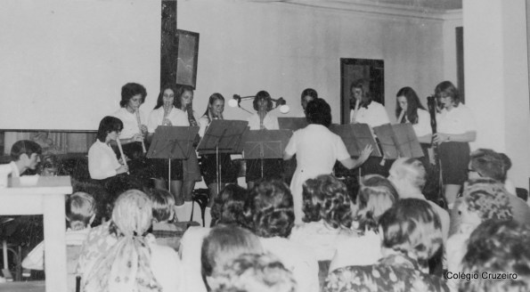 1971 - Apresentação de Flauta doce sob regência da Professora Hela Tirler