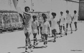 1971 - Desfile de bandeiras na 1ª Olimpíada Interna do Colégio Cruzeiro