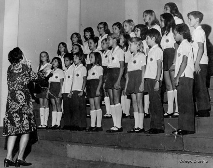 1972 - III Concurso de Corais do Estado da Guanabara - 1º lugar do Coro Infantil, sob a regência de Hela Tirler