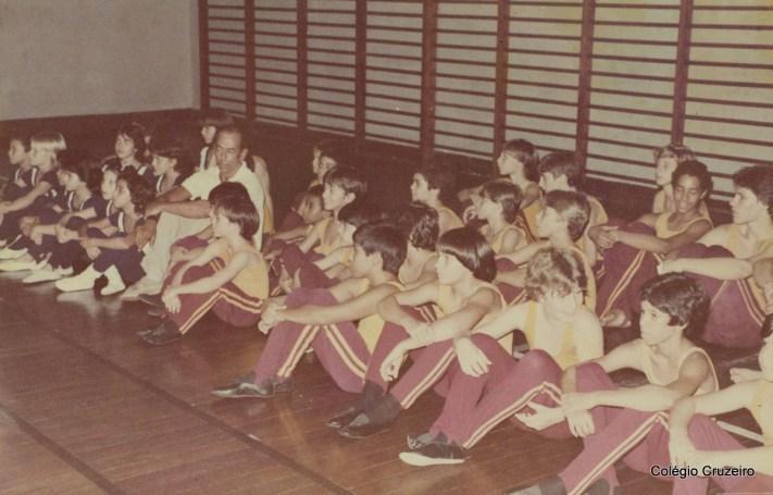 1983 - Alunos do Colégio Cruzeiro em competição esportiva no Clube Ginástico Português