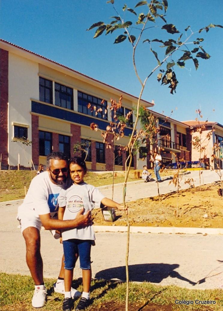 1999 - Plantio de árvores no Colégio Cruzeiro - Jacarepaguá