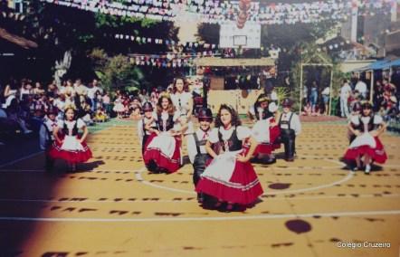 2000 - Festa Folclórica no Colégio Cruzeiro - Centro
