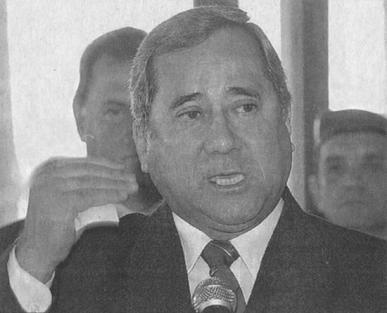 """DELEGADO DE POLÍCIA LUIZ CARLOS DO SANTOS, """"China"""", iniciou sua carreira na década de 70 como Investigador de Polícia na Delegacia de Roubos e Extorsões do DEIC, onde participou de inúmeras prisões de repercussão. Como Delegado, fez excelente trabalho no DHPP. Foi Delegado Geral Adjunto, na gestão do Dr. Marco Antônio Desgualdo como DGP."""