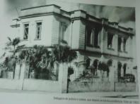 Antiga Delegacia de Polícia e Cadeia Publica de Tambaú, hoje, Prefeitura Municipal e Câmara dos Vereadores. (enviado pelo Delegado de Polícia José Guilherme de Camargo da cidade de Tambaú).