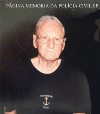"""Delegado de Polícia e professor de Armamento, Tiro e Explosivos da ACADEPOL, José Grimaldi Filho """"in memoriam"""", década de 80."""