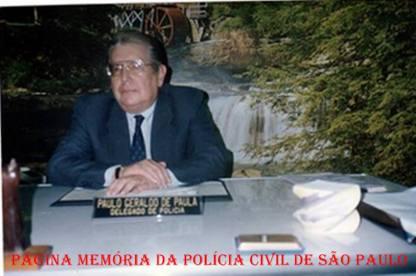 """O saudoso Delegado de Polícia da região de Campinas, Paulo Geraldo de Paula """"PGP"""", na foto, quando era Seccional de Bragança Paulista, em sua sala na década de 90. (acervo do Investigador de Campo Limpo Paulista Luiz Azevedo)."""