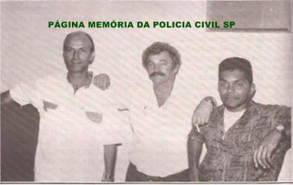 Investigadores de Polícia da equipe Apolo 50 da Delegacia Especialiada em Falsas Domesticas-DISCCPAT do DEIC, Júlio, Mazzetto e Orlando, final da década de 80.
