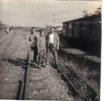Investigadores de Polícia Testarolo, Amador Parra e Reinaldo Correa (atualmente Delegado de Polícia), década de 70. (acervo de Rafaella Capodaglio Cuoco).