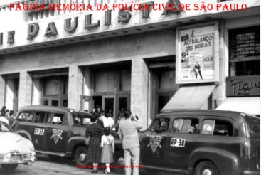 """Viaturas de Marca Chevrolet, tipo """"Boca de Sapo"""" da Rádio Patrulha, em 1.956. https://www.facebook.com/MemoriaDaPoliciaCivilDoEstadoDeSaoPaulo/photos/a.282375325218379.65301.282332015222710/1137083466414223/?type=3&theater"""