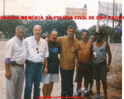 """Policiais do DEIC, na década de 80: À partir da esquerda, Investigadores Lourival Carneiro, Norberto Della Brida, Rebolsas, Adalberto """"Pincel"""", Reis e Bira."""