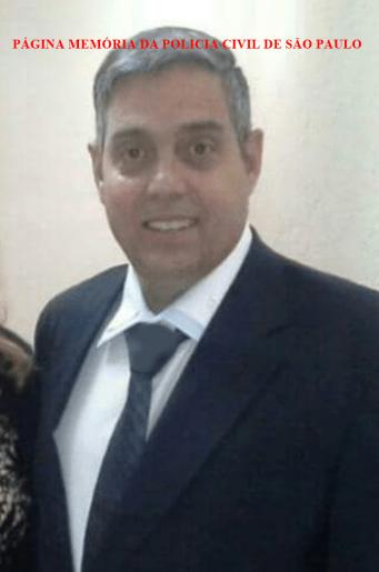 Faleceu hoje a tarde, 21/07/2016, o Investigador Osmar Bernardini, 50 anos, do 18º DP do DECAP, vítima de homicídio, por disparo arma de fogo em confronto com um marginal que também morreu no embate, ocorrido na Avenida Calin Eid, altura do número 2692 (continuação da avenida Tiquatira) Zona Leste da Capital. Velorio: a partir das 10h00 no Memorial Guarulhos, sito à R.Rio de Janeiro, 827 - Vila Rio de Janeiro - Guarulhos. Sepultamento: às 16h00 no Cemitério Vila Rio sito à Av. Benjamin Harris Hunnicutt, 1327 - Vila Rio de Janeiro - Guarulhos.