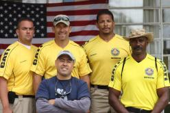Investigador de Polícia Marcelo Rafael ladeado pelos Instrutores da SWAT de Dallas TX e estrelas do seriado DALLAS SWAT do canal A & Mundo.