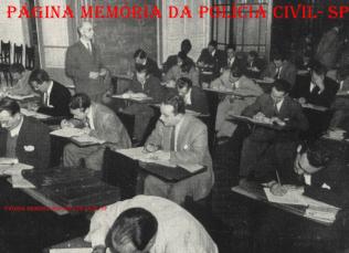 Primeiro concurso de ingresso ao Curso de Formação Técnico Profissional da carreira de Delegado de Polícia do Estado de São Paulo (Delegado de Polícia de carreira). Foi realizado na Escola de Polícia, na rua da Glória nº 410, Bairro da Liberdade/SP, nos dias 9 a 14 de agosto de 1946. Os Delegados de Polícia deste concurso que mais se destacaram e suas respectivas lotações foram: Hélio Paolielo (Presidente Venceslau), Wilson José Minervino (Zona Centro- Boca do Lixo) e Ari José Bauer (DI- DEIC).