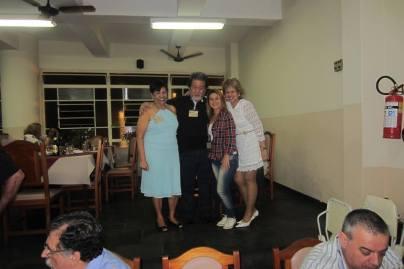 4º Encontro da Velha Guarda da Polícia Civil de São Paulo, em 28 de novembro de 2.014. Maria Lima Matos, Armando Mizutani, Cidinha Gobbetti https://memoriadapoliciacivildesaopaulo.com/4o-encontro-da-velha-guarda-da-policia-civil-de-sao-paulo-em-28-de-novembro-de-2-014/