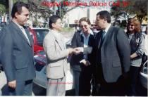 Entrega de viaturas para a Polícia Civil, na década de 90, na cidade de Baurú/SP. Da esquerda para a direita, Delegados Luís Fernando Seccional de Ourinhos); RAIMUNDO (aposentado); Ana Rute; Secretário de Segurança Pública SP; Saulo de Castro e a Investigadora de Polícia Danieli.
