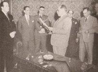 Inauguração do Ambulatório de Dementes do Plantão da Polícia Central, na época em que a Polícia Civil recolhia, provisoriamente, dementes de toda sorte (1944).