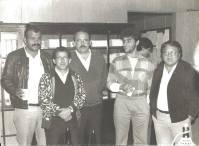 """Investigadores de Polícia da Delegacia da 2ª DIG- Fé Pública do DEIC, Valter Correa """"Tigrão"""", Amador Parra """"Parrinha"""", Cipriano, Nelson de Queiroz Motta (atualmente Delegado Titular do 4º DP de Guarulhos) e Mário Kazuo Kyota o """"Mário Japonês""""(aposentou-se como Delegado), na década de 80. https://www.facebook.com/MemoriaDaPoliciaCivilDoEstadoDeSaoPaulo/photos/a.1013664612089443.1073741897.282332015222710/383656145090296/?type=3&theater"""